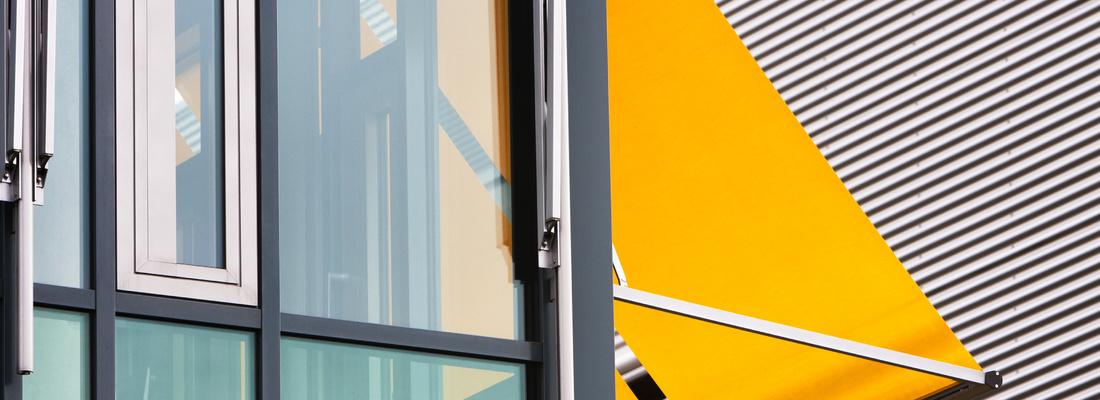 Markizy okienne pionowe – wyjątkowa osłona okien