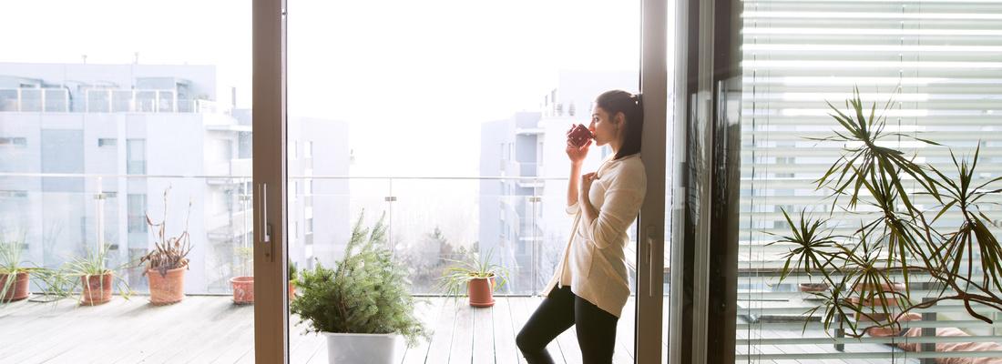 Osłony okienne wewnętrzne – ochrona przed nagrzewaniem