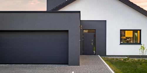 Segmentowe bramy garażowe – estetyka i bezpieczeństwo domu