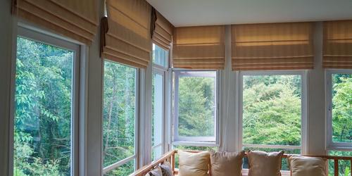 Rolety rzymskie – stylowe osłanianie okien